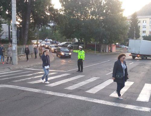 POLIȚIA LOCALĂ PIATRA NEAMȚ: Măsuri de siguranță rutieră și ordine publică în zona a zece unități de învățământ din Piatra Neamț