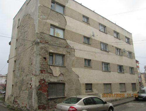 POLIȚIA LOCALĂ PIATRA NEAMȚ: Asociațiile de proprietari somate să repare acoperișurile și fațadele degradate ale blocurilor